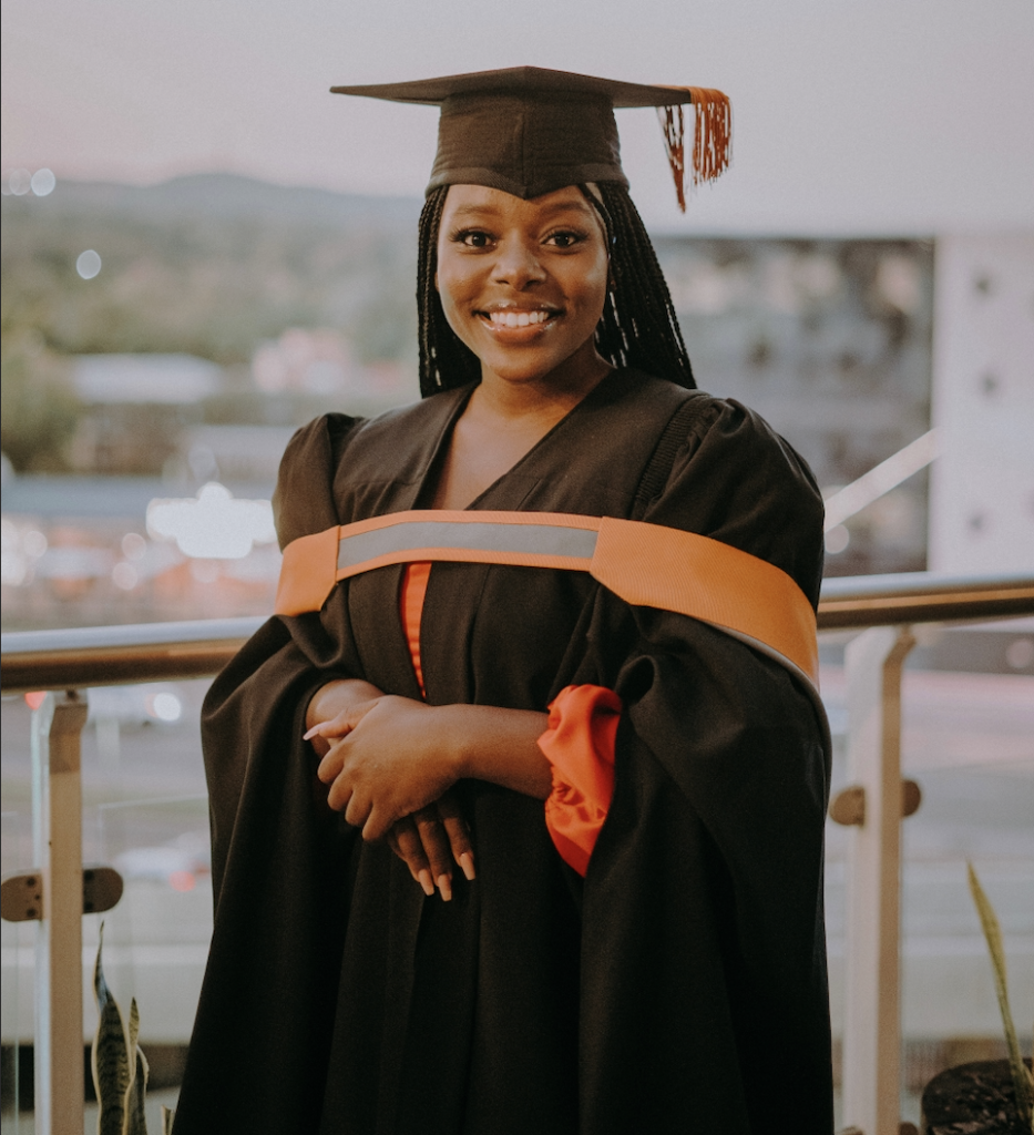 Akudzwe, Successfully graduating with Law degree while freelancing in South Africa